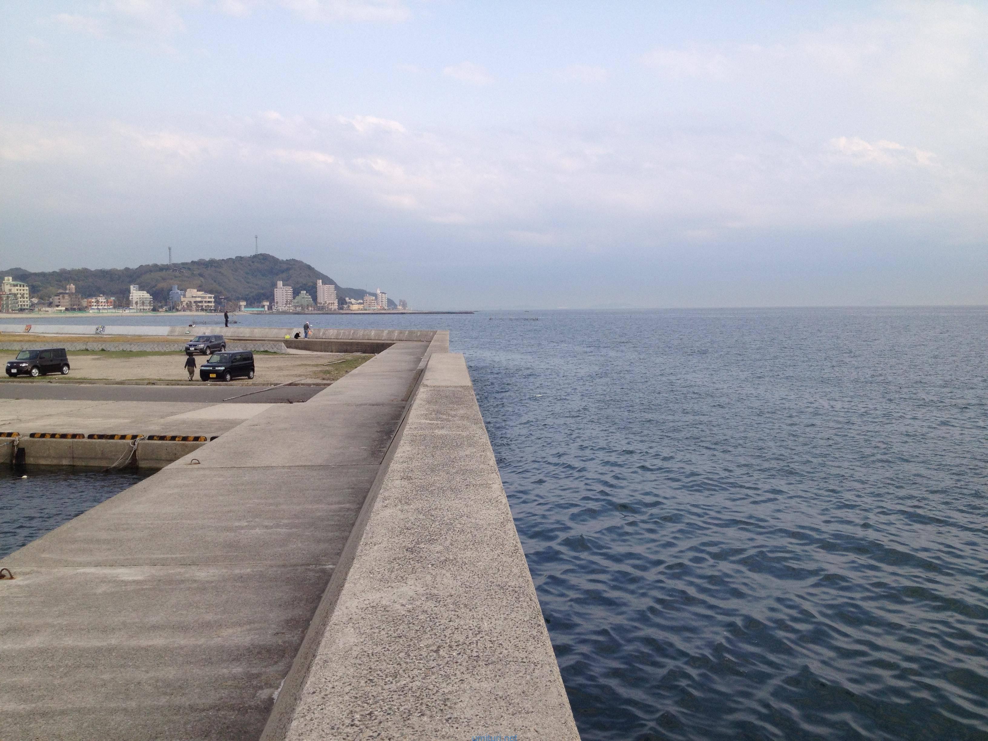 堤防で釣り場選びのポイントとなる「魚がいる場所」を解説