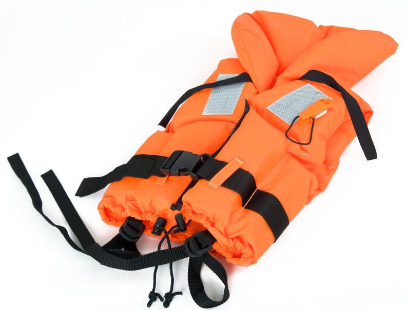 海釣りのライフジャケットの選び方!フロート式と膨張式どちらがいいか?
