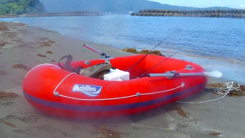 マイボートで堤防釣りを充実させる!手軽な海釣りゴムボート入門