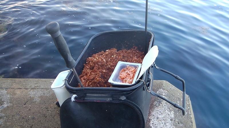 チヌ(クロダイ)のウキフカセ釣りで使うエサの特徴と使い分け