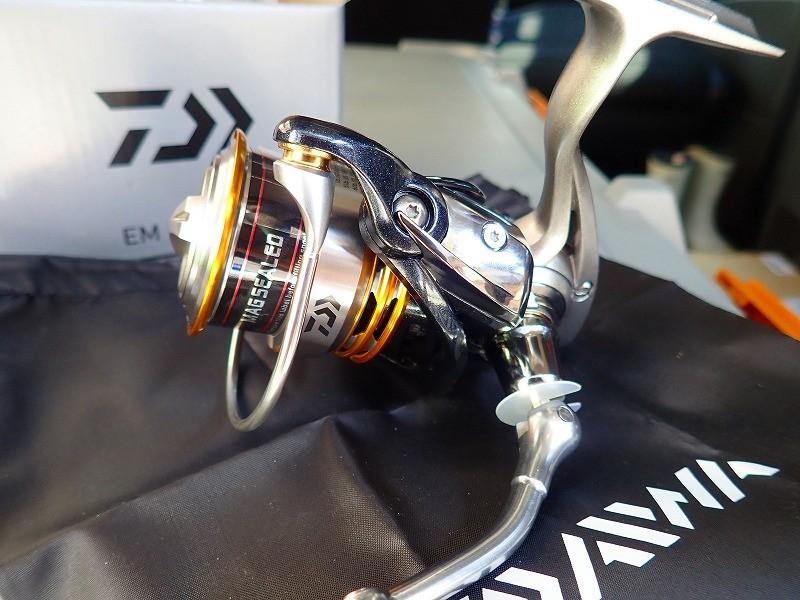 ダイワの軽量スピニングリールEM MSの質感・使い勝手を実釣検証!