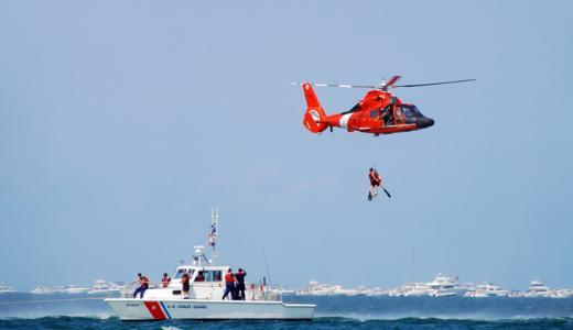 もしも堤防釣りで海に落ちてしまったら?実践すべきは「浮いて待つ」